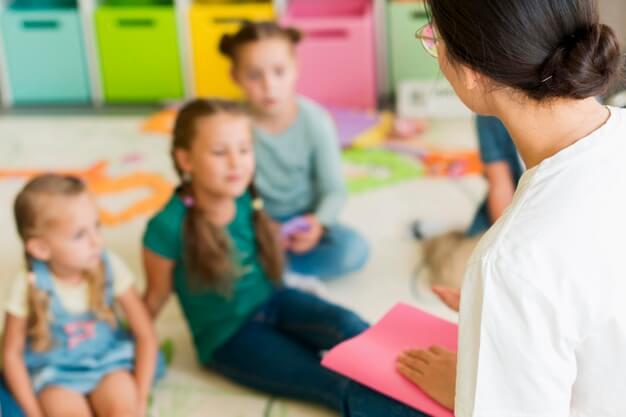 Aprende Sobre El Curso Cuidador de Niños Gratuito.